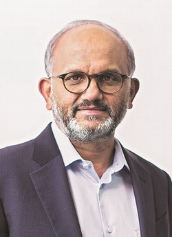 Sr.Adobe: Shantanu Narayen Wanted: dead or alive, preferably dead